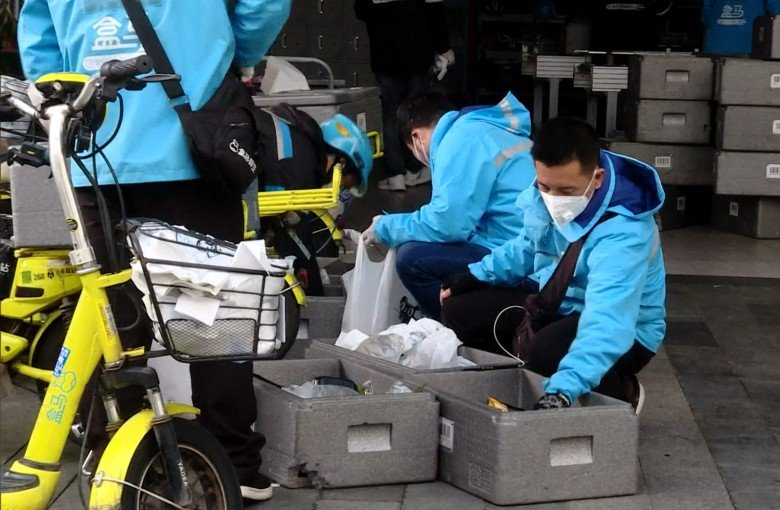 The coronavirus outbreak is keeping China's online retailers busy