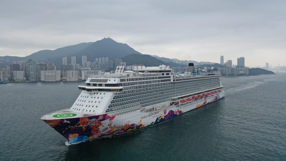 The World Dream Cruise Ship Quarantined In Hong Kong South China Morning Post