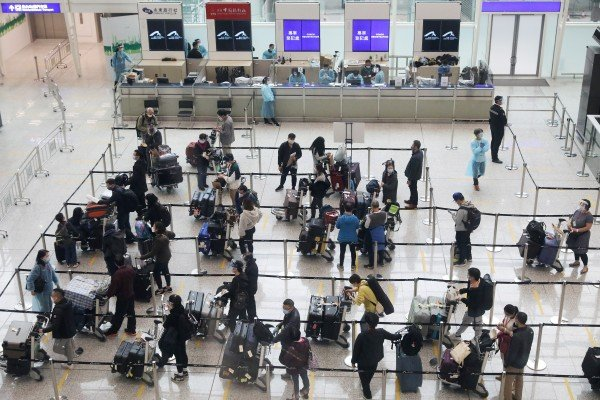 Calls have been made for restrictions on travellers entering Hong Kong to be lowered. Photo: Nora Tam