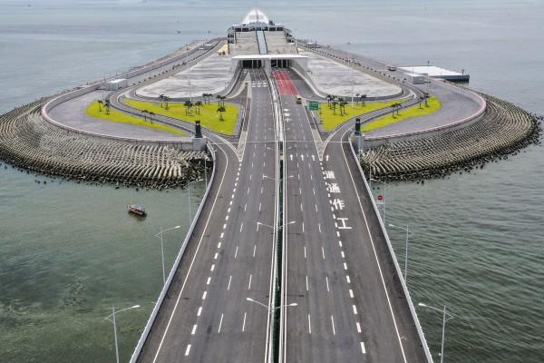A view of the Hong Kong-Macau-Zhuhai Bridge from Lantau, amid the pandemic in 2020. Photo: Martin Chan