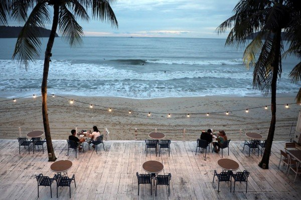 People dine at a restaurant following social distancing measures on September 13 as Langkawi prepared to open to domestic tourists in Malaysia from September 16. Photo: Reuters