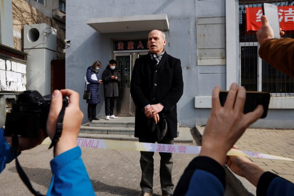 Jim Nickel, charge d'affaires of the Canadian embassy in Beijing, speaks to media outside the Dandong Intermediate People's Court on Friday. Photo: Reuters