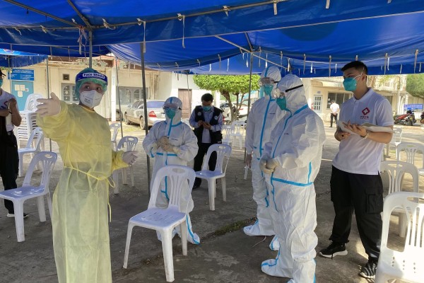 Members of a Chinese medical expert team visit a Covid-19 sampling site in Vientiane, Laos, on Friday. Photo: Chinese medical expert team via Xinhua