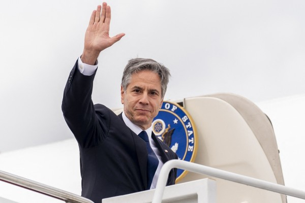 US Secretary of State Antony Blinken boards his plane at Andrews Air Force Base, Maryland on Tuesday to travel to Berlin, Germany. where he will begin a week-long trip to Europe. Photo: AFP
