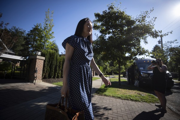 Meng Wanzhou, chief financial officer of Huawei Technologies, leaves her home in Vancouver to attend her extradition hearing on Wednesday. Photo: AP