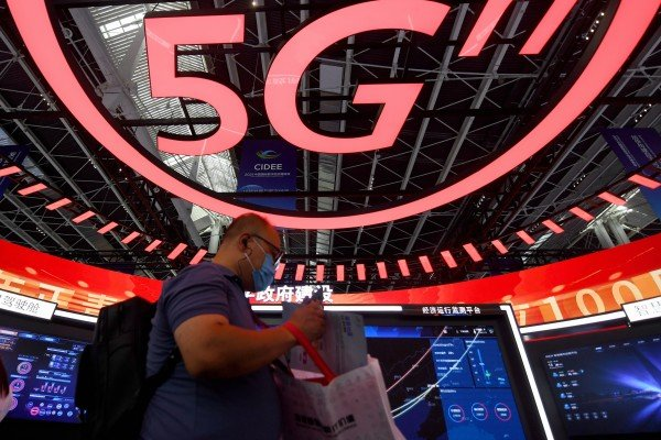 In partnership with Sweden's Ericsson, Chinese smartphone giant Oppo has set up a 5G research and development laboratory in Shenzhen. Photo: Xinhua