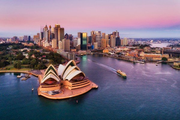 Australia's borders have been mostly shut to non-citizens and non-residents since March 2020. Photo: Shutterstock