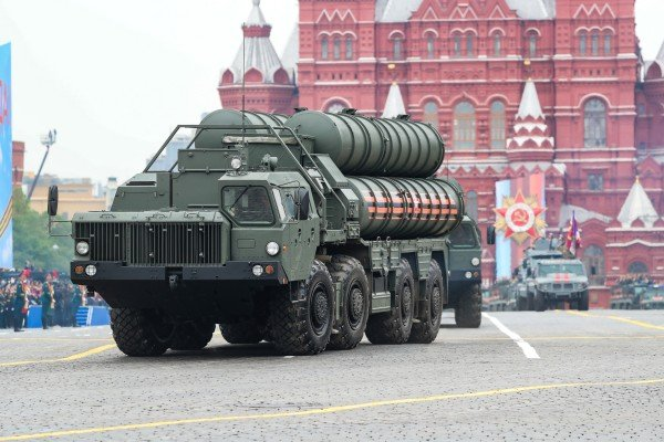 A Russian S-400 Triumf surface-to-air missile system in Red Square, Moscow. Photo: Xinhua