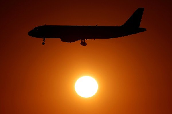 Most major global airlines say their hands are tied when it comes to making vaccinations mandatory for staff and travellers alike. Photo: Reuters