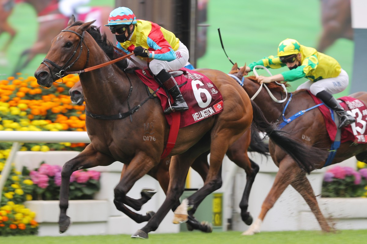 Alexis Badel bolts clear on Wellington to win the Chairman's Sprint Prize. Photos: Kenneth Chan