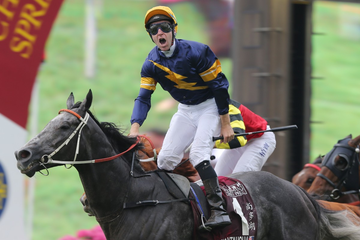 Tommy Berry celebrates after winning the Group One Chairman's Sprint Prize (1,200m) on Chautauqua in 2016. Photos: Kenneth Chan
