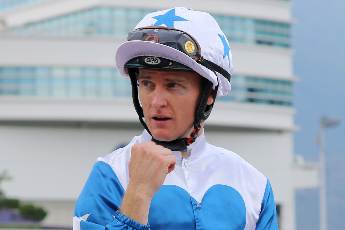 Zac Purton returns to scale sporting a black left eye after winning aboard Uncle Steve. Photos: Kenneth Chan