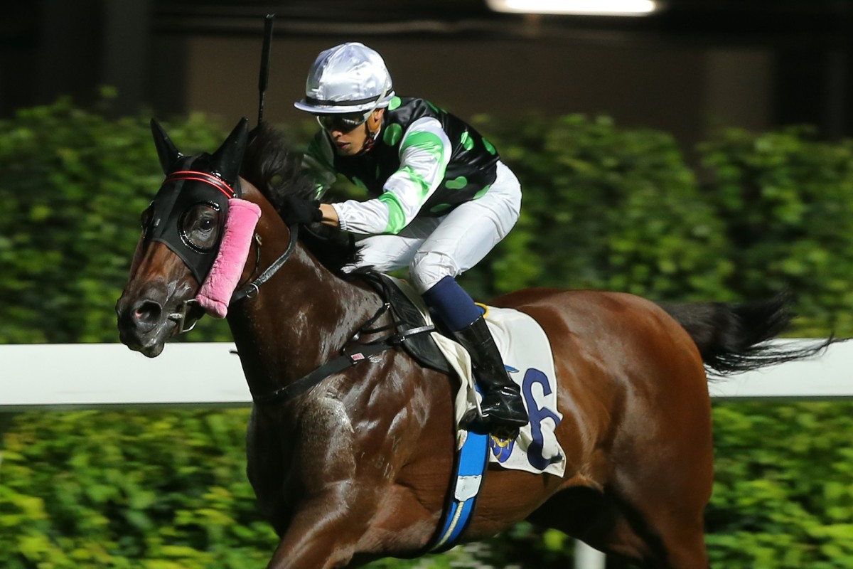 Vincent Ho bursts clear to win at Happy Valley last week. Photos: Kenneth Chan