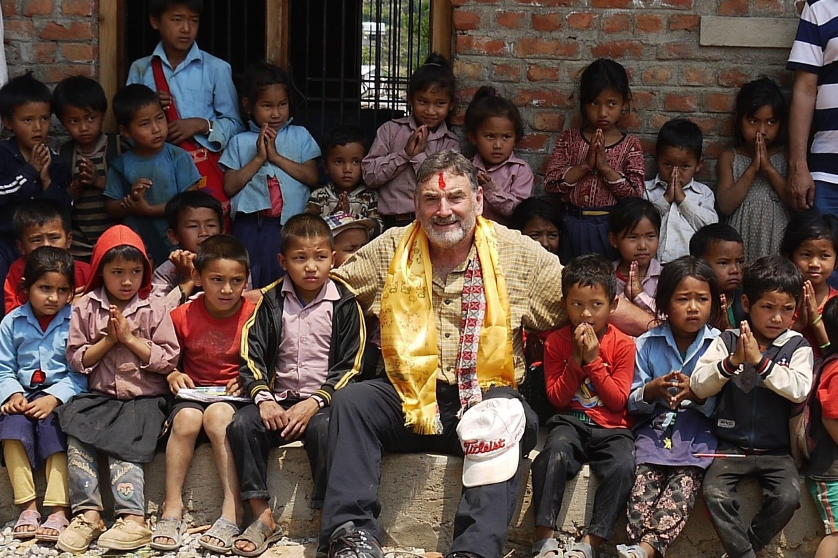 Roy Francis was part of the 1976 British Army expedition to climb Everest, and is now working to build schools in areas effect by the 2015 Nepal Earthquake. Photos: Aide Nepal Magnoac