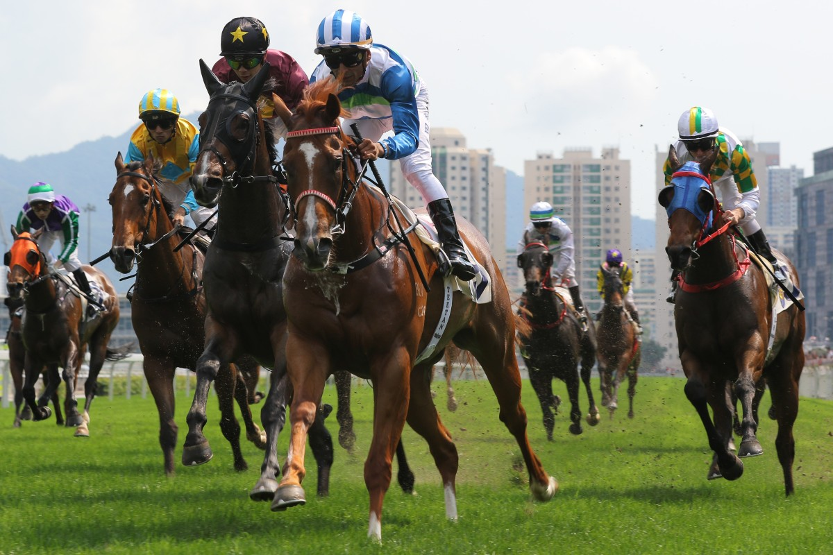 Voyage Warrior surges to victory at Sha Tin in April. Photos: Kenneth Chan
