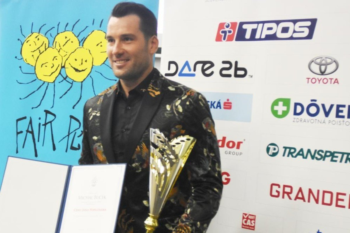 Michel Bucek, a former Hong Kong expat, has just won an European Fair Play award for saving a man's life during a triathlon in China. Photo: Handout