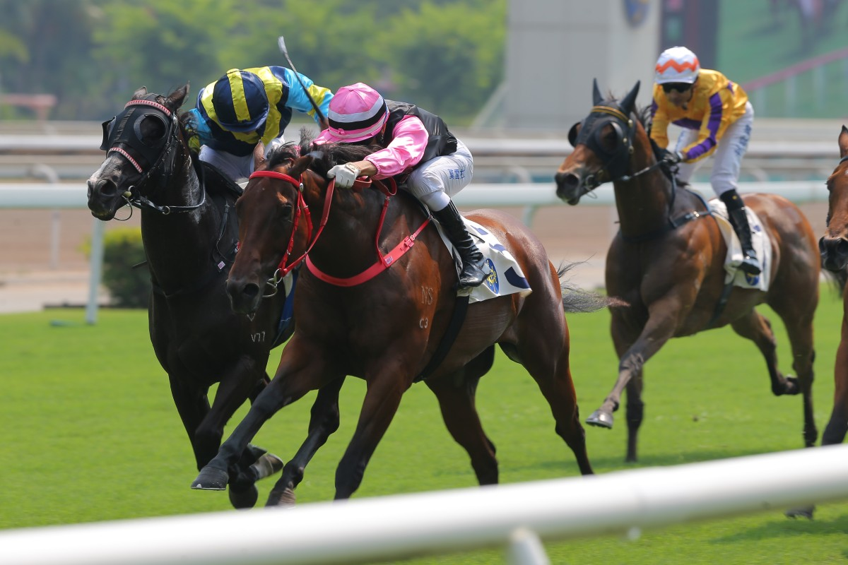 Full Of Beauty surges home to win the National Day Cup. Photos: Kenneth Chan