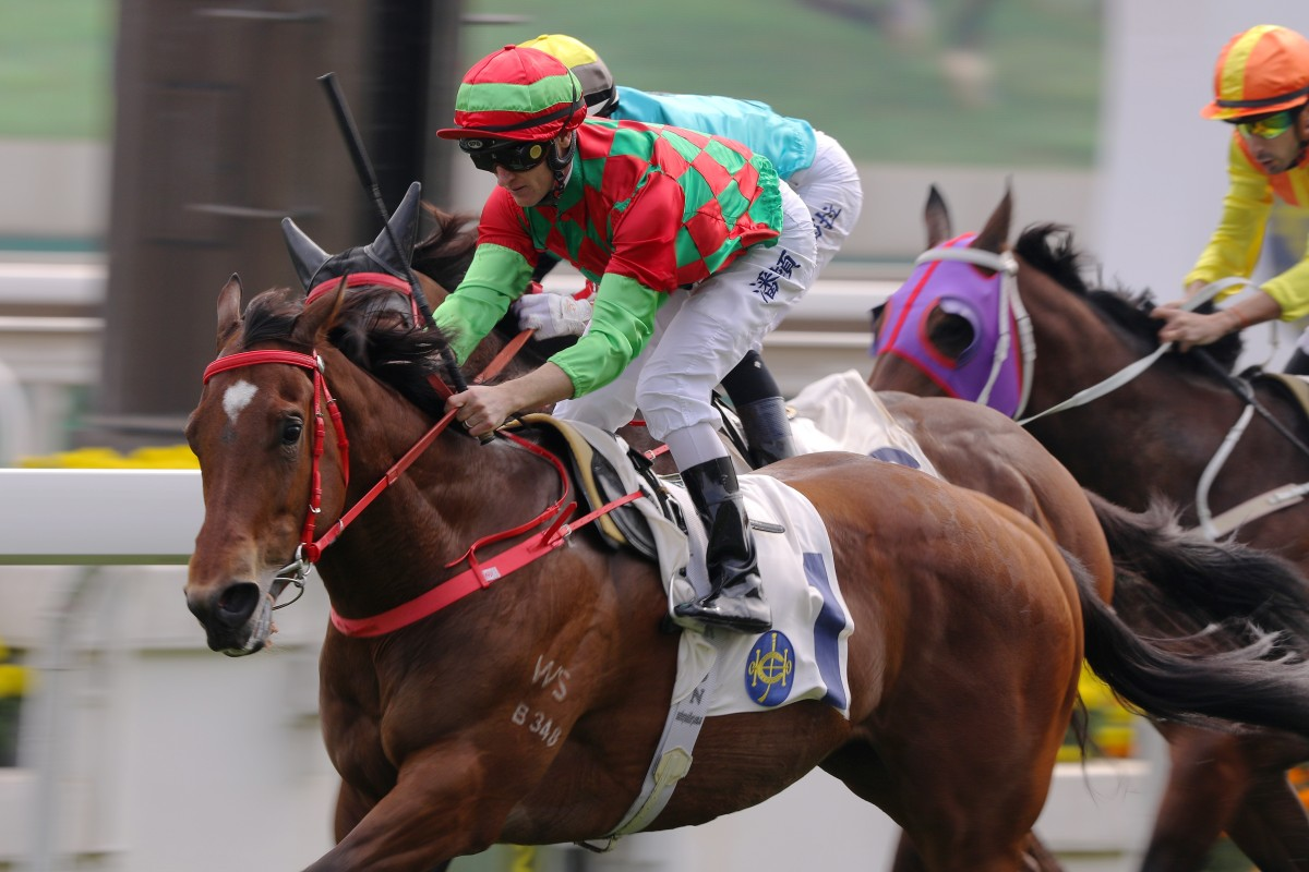 Zac Purton wins aboard Regency Legend. Photos: Kenneth Chan