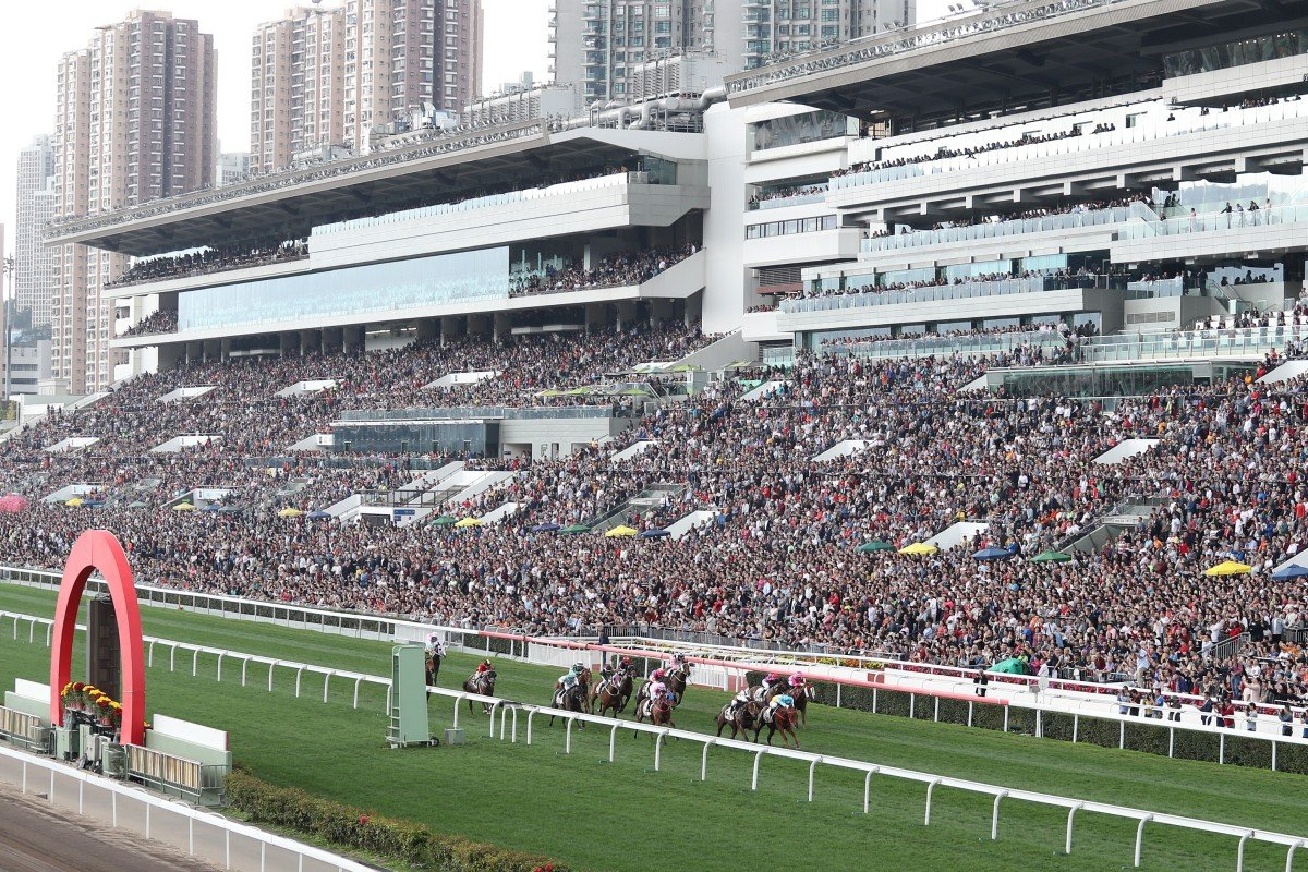 Fans fill the Sha Tin stands at last year's Lunar New Year meeting. Photos: Kenneth Chan