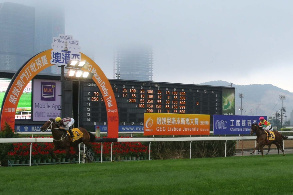Romantic Touch wins the Macau-Hong Kong Trophy at Taipa in 2018. Photos: Kenneth Chan