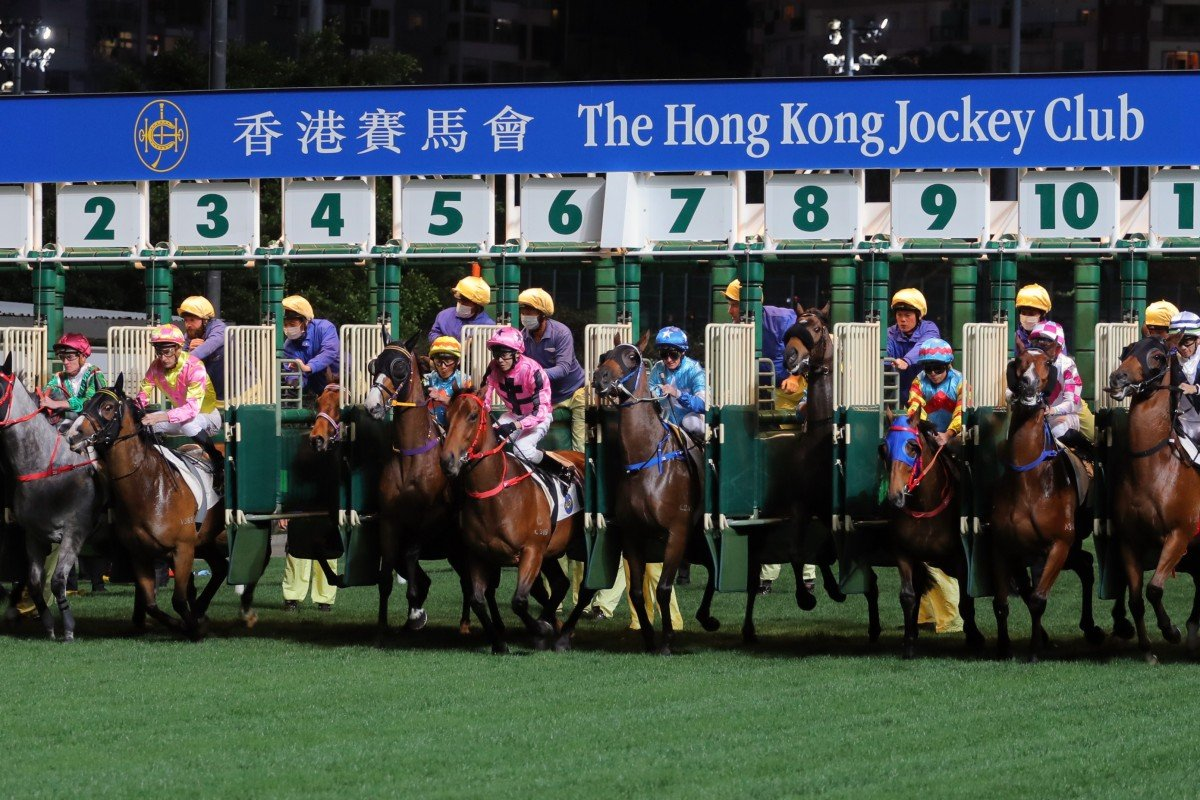 Gates fly back in the opening race at Happy Valley on Wednesday night. Photos: Kenneth Chan