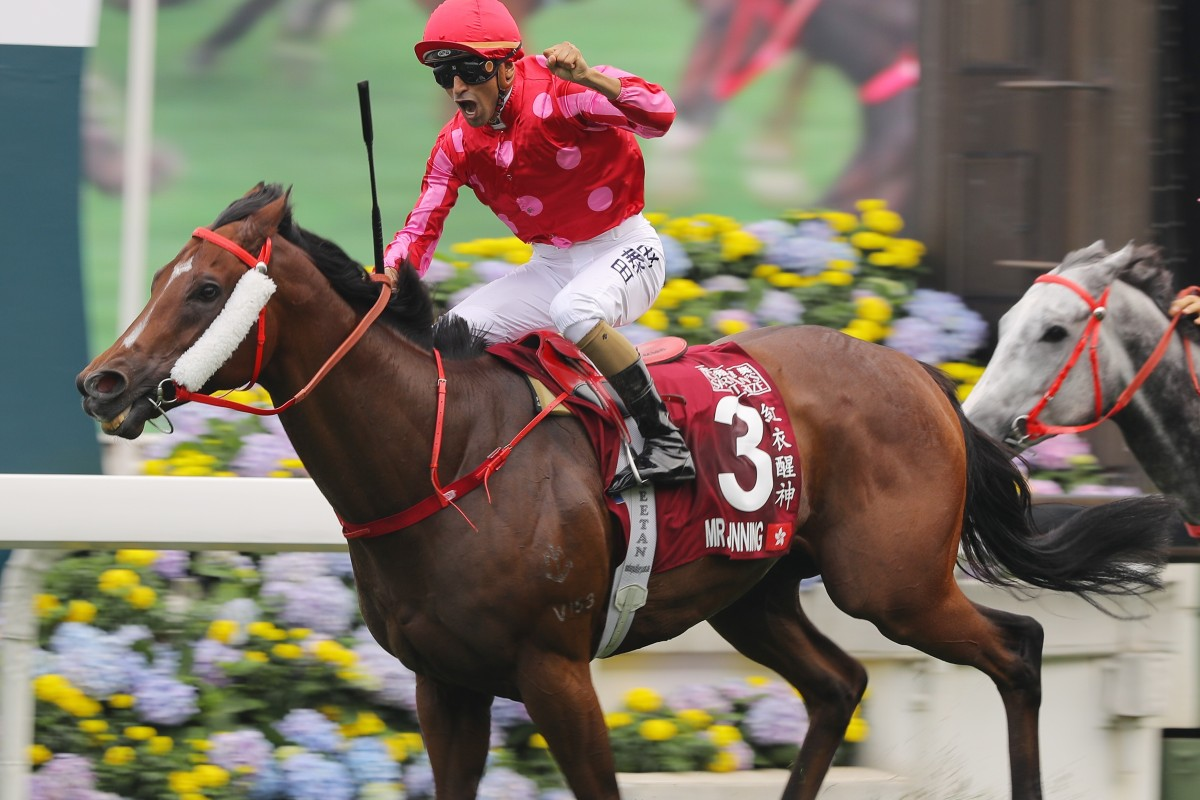 Karis Teetan salutes after winning on Mr Stunning in the Chairman's Sprint Prize at Sha Tin. Photos: Kenneth Chan