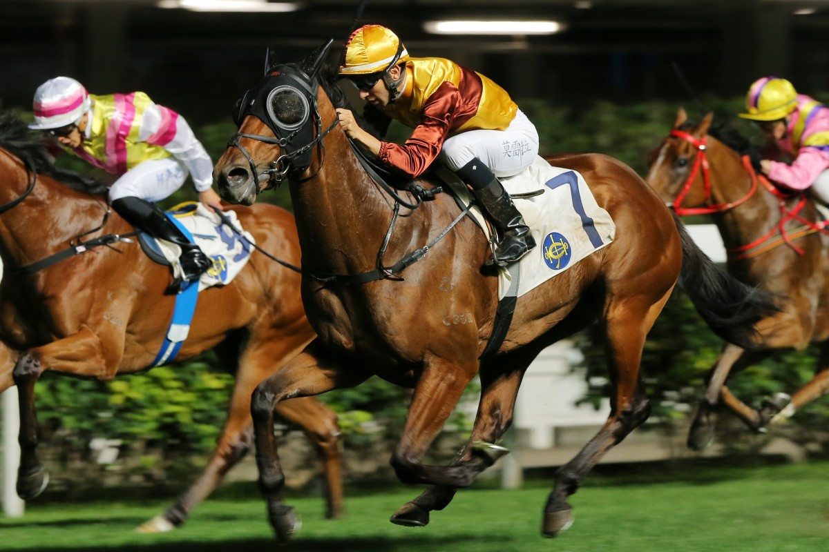 Joao Moreira guides Simply Fluke to victory on Wednesday night. Photos: Kenneth Chan