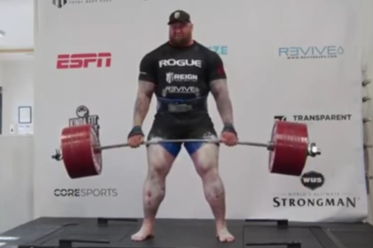 Hafthor Bjornsson deadlifts 501kg (1,104 pounds) in a new world record. Photo: YouTube