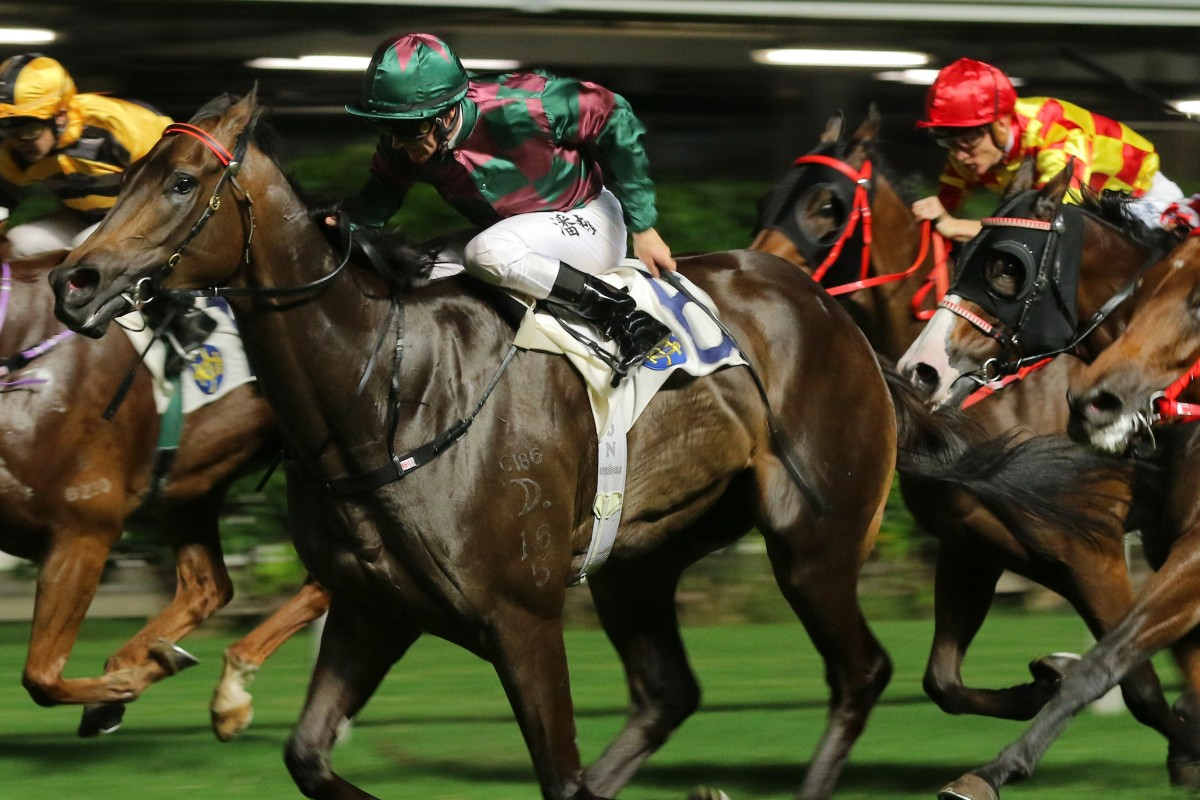 Zac Purton bolts to victory on Victoriam at Happy Valley. Photos: Kenneth Chan