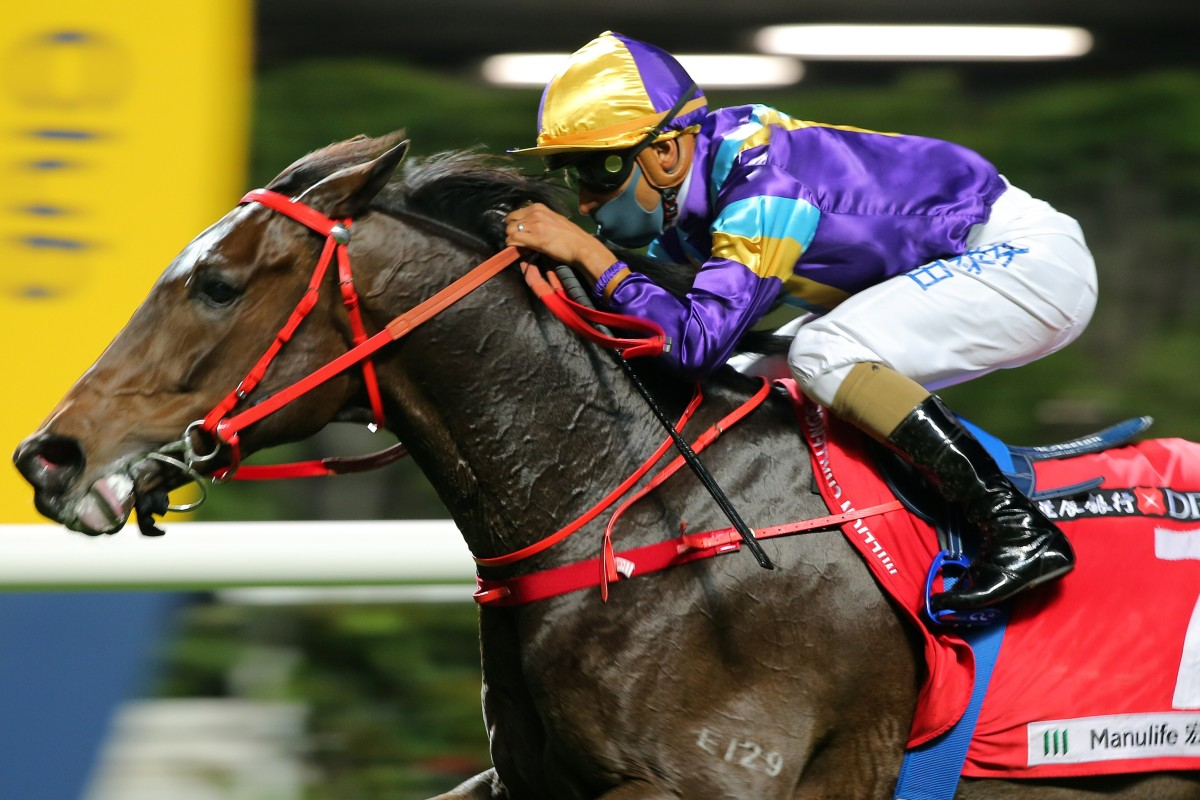 Karis Teetan boots Charity Fun to victory at Happy Valley earlier this month. Photos: Kenneth Chan