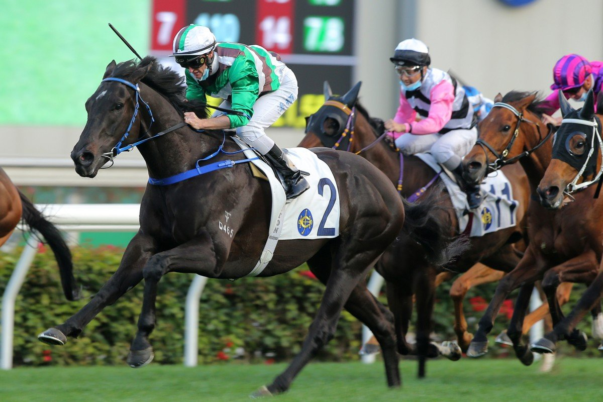 Jimmy Ting's Super Football bolts to victory at Sha Tin last start. Photos: Kenneth Chan