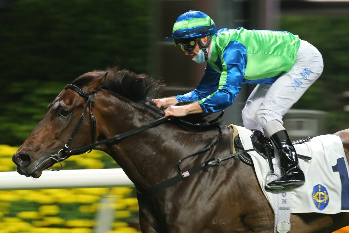 Spontaneous salutes under Zac Purton at Happy Valley last month. Photos: Kenneth Chan