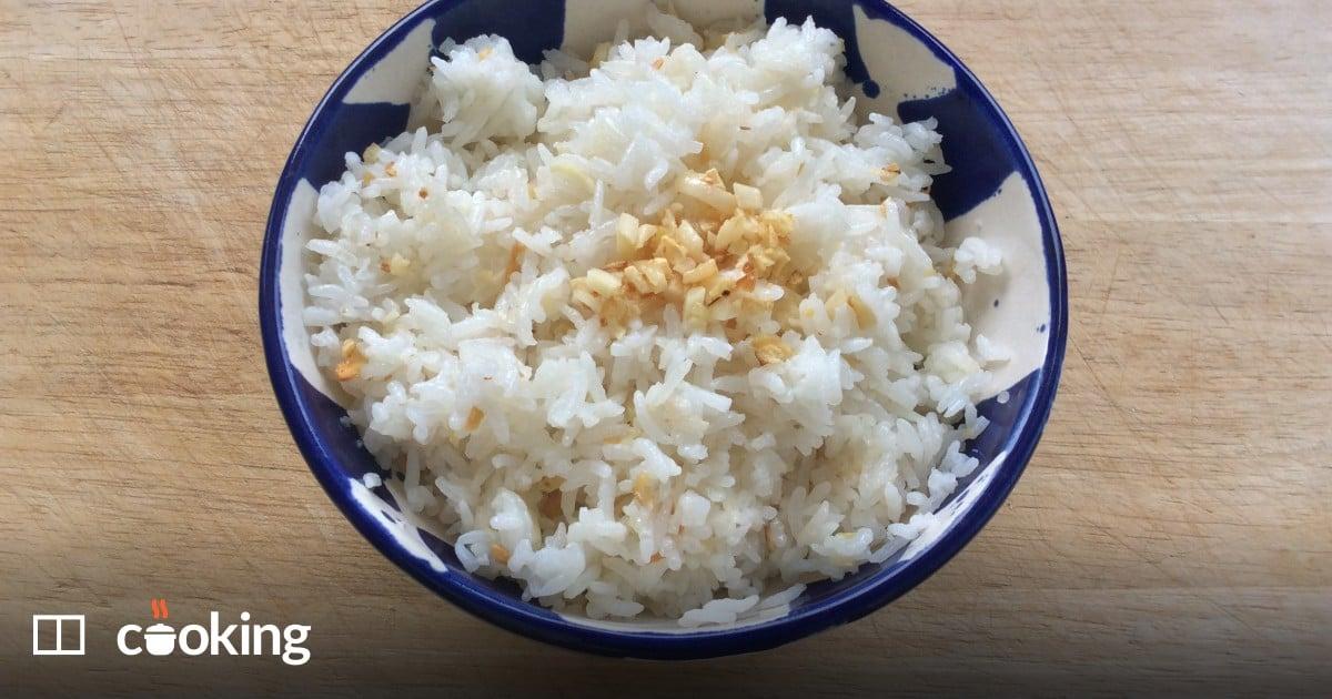 Filipino garlic rice recipe - a delicious use of leftovers