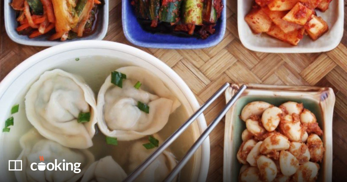 Korean dumplings recipe with kimchi and pork - easy