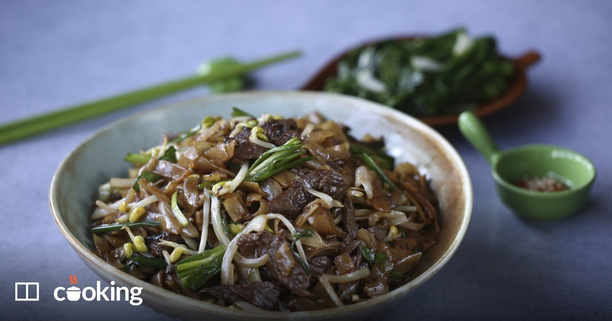 Dry-fried beef rice noodles recipe (gon chow ngau ho)