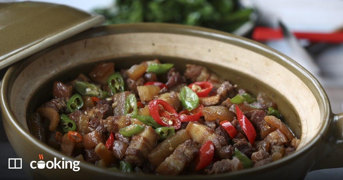 Braised pork belly with white radish recipe - easy