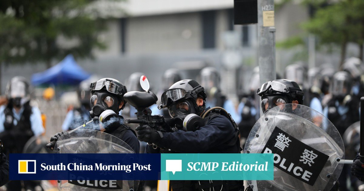 Hong Kong police quit posts at two city hospitals after