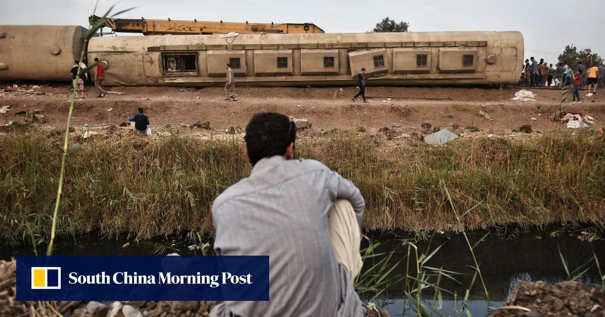 11 dead, dozens injured in Egypt train crash