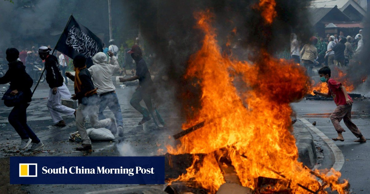 Indonesia Riots: Six Dead, Facebook And WhatsApp Features