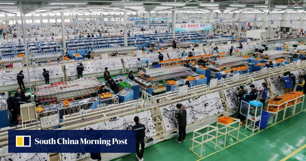 Explainer: China's Manufacturing Outlook Weakens Showing