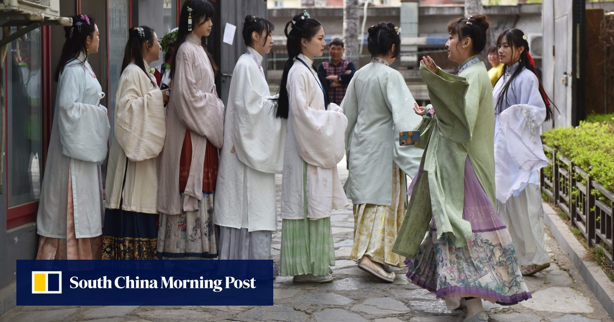 From cosplay to cause play: why Communist Party is holding door open for revival of traditional Chinese clothing