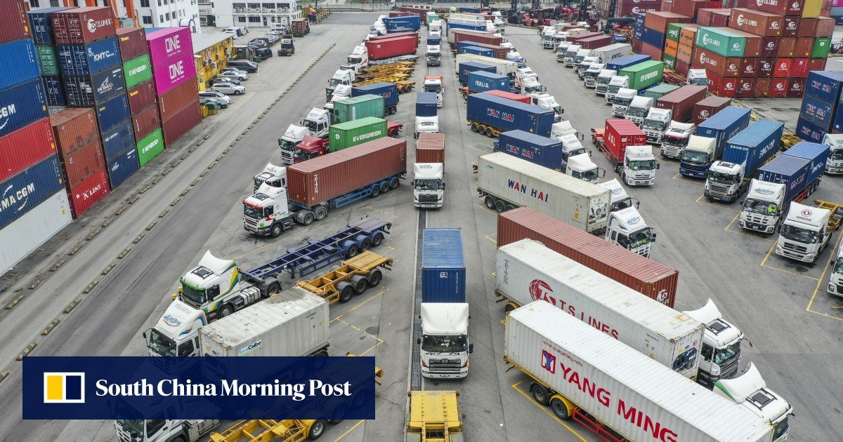 Hong Kong's export slump hits three-year low in June 2019 due to US-China trade war and drop in local consumption