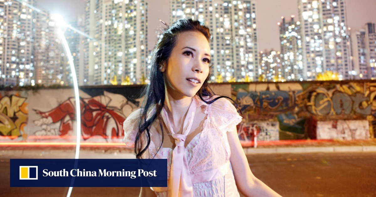 Hotel apologises for putting Hong Kong singer Karen Mok's dirty sheets up for sale
