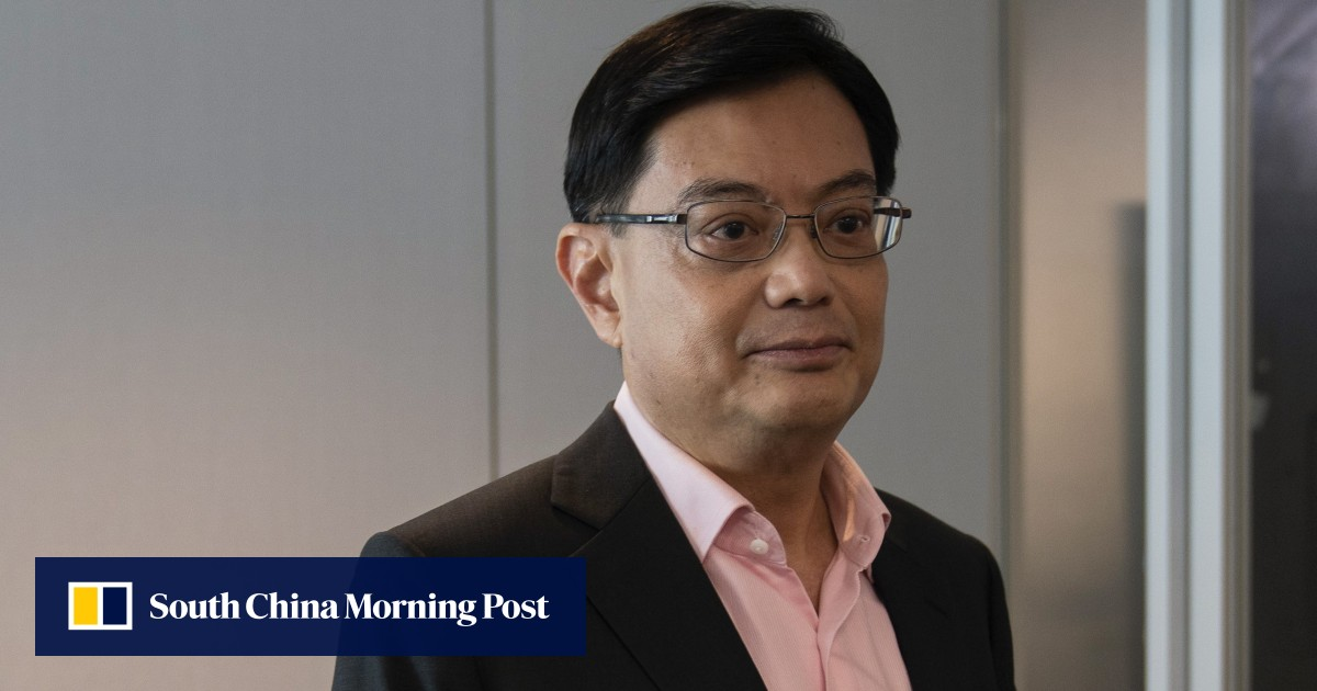 Singapore leaders take pay cut as virus batters global economy