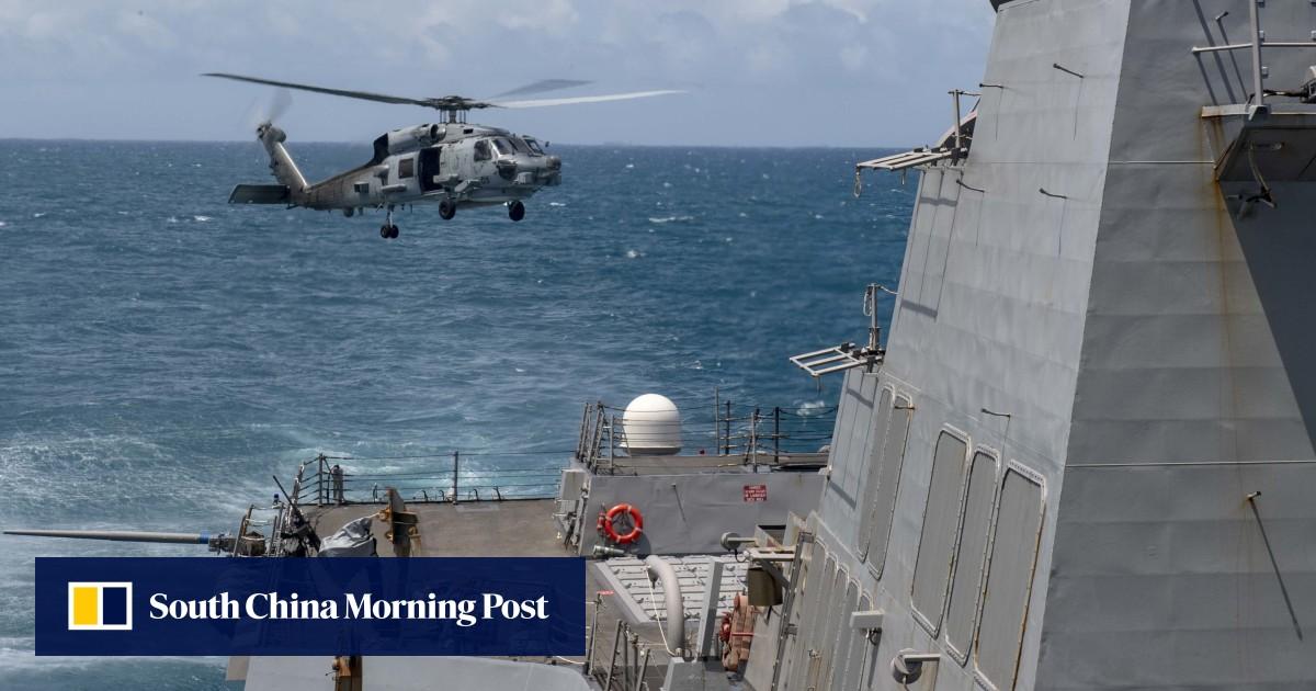 US warship sails through Taiwan Strait under scrutiny from Beijing