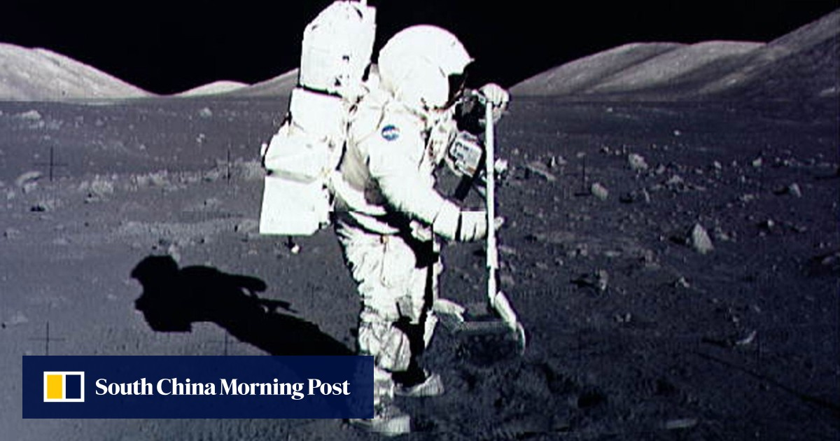 Nasa seeks out explorers to fly to moon at own expense, mine dirt