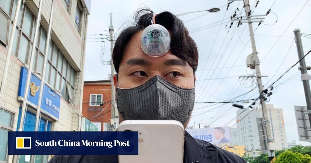 South Korean designer creates robotic 'third eye' for smartphone 'zombies'
