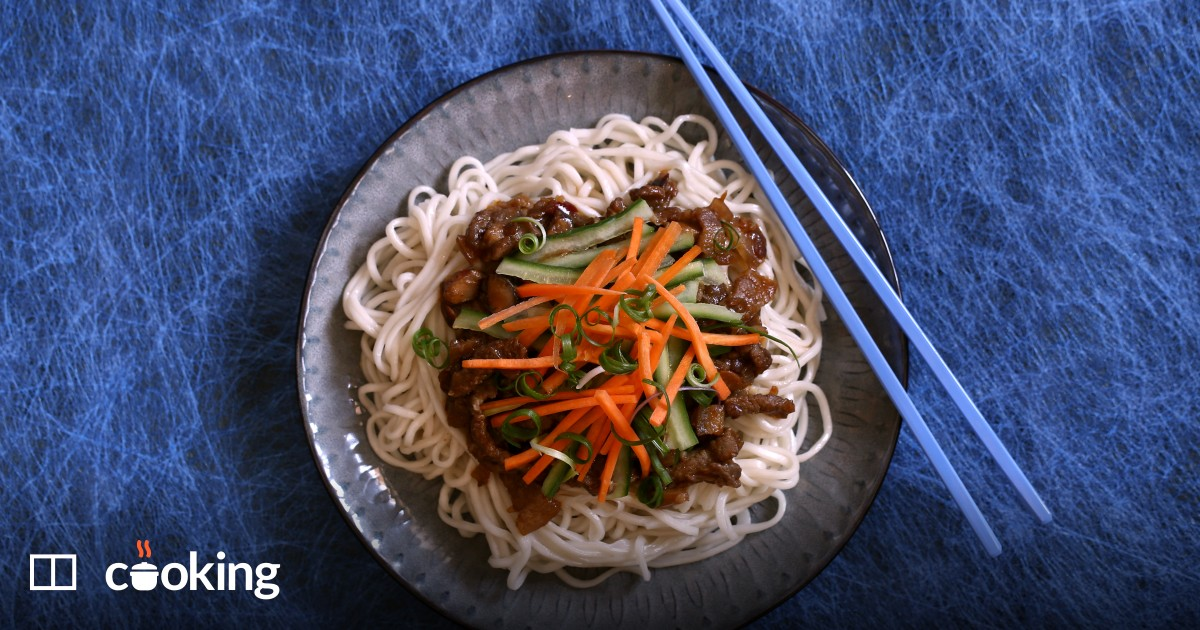 Noodles with bean paste and pork (Zhajiangmian)