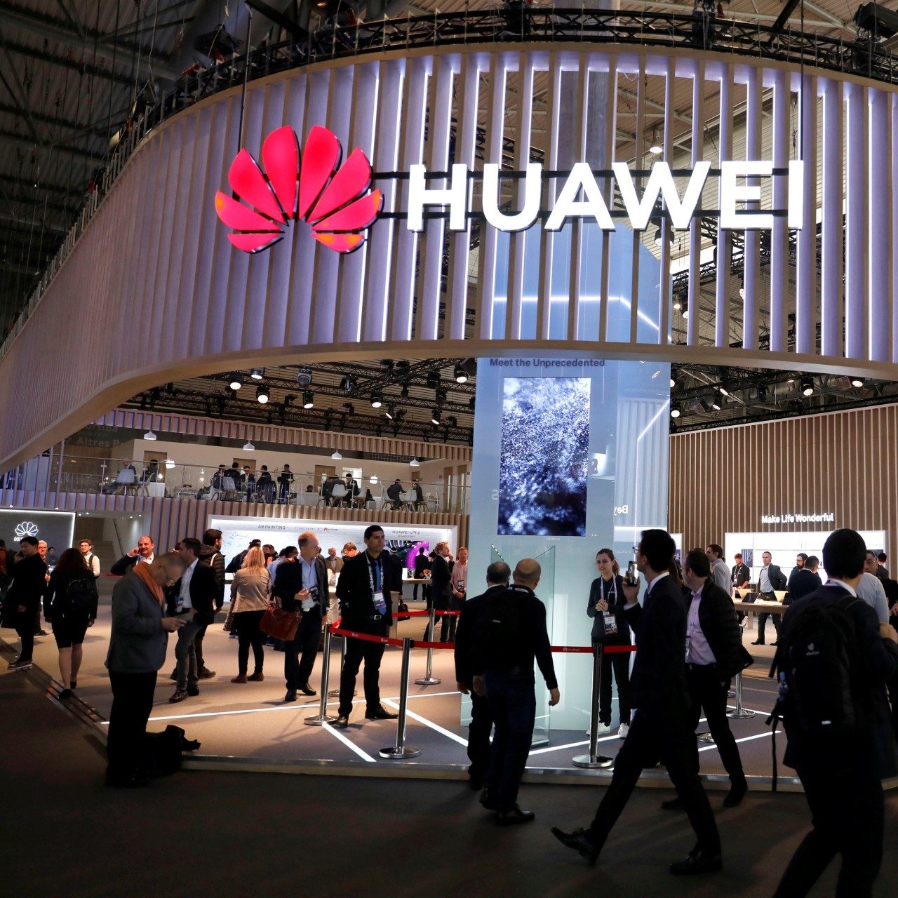 Huawei confirms it has built its own operating system just in case