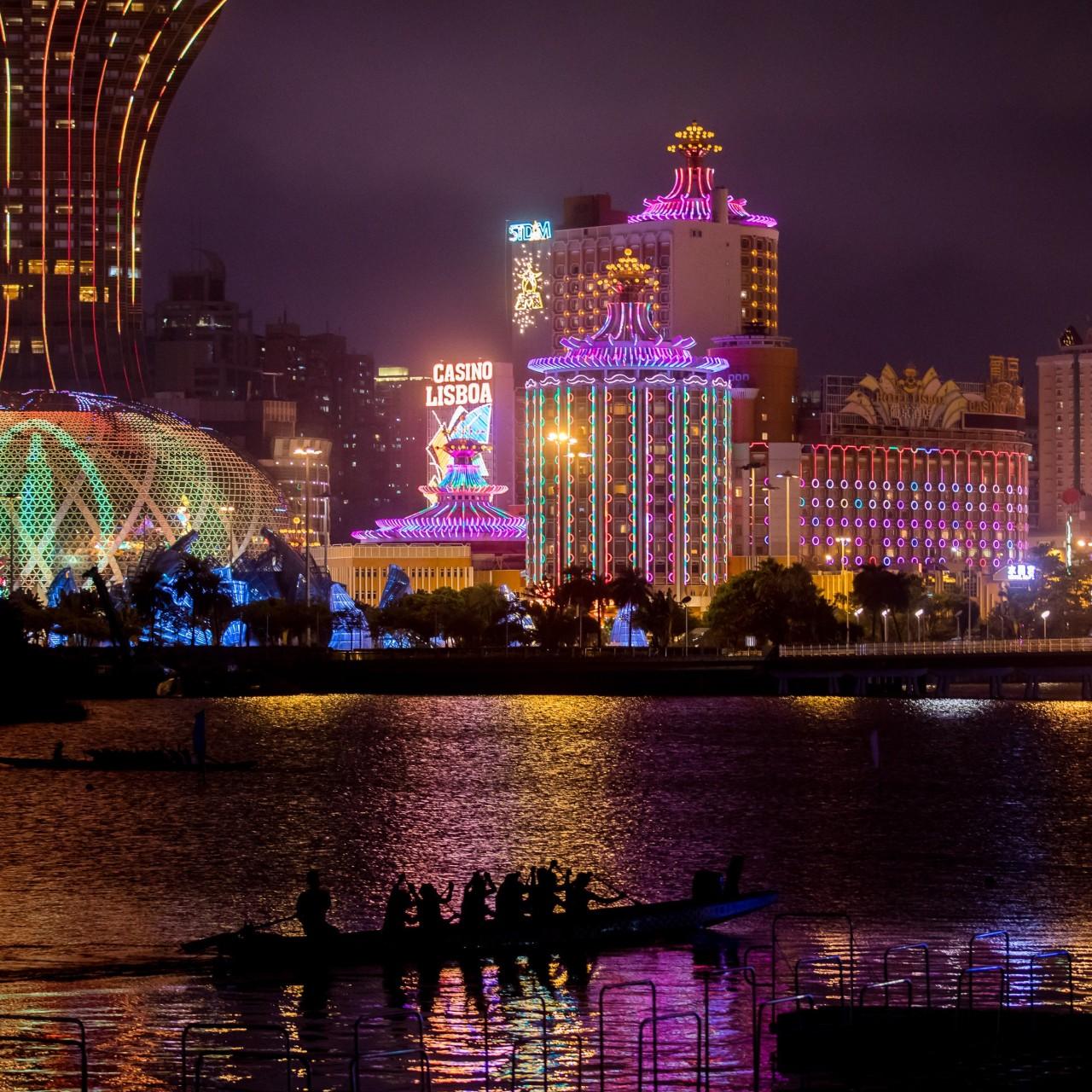 SJM shareholders approve casino mogul Stanley Ho's retirement as he
